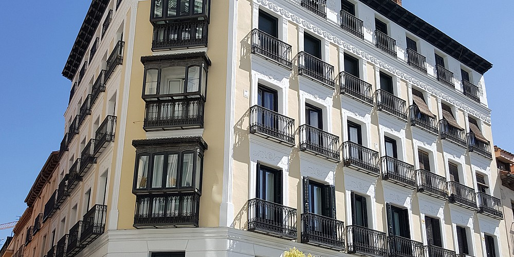 Eva loves elegant listed old buildings of Madrid city